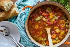 Fall Harvest Vegetable Soup Healthy Food, Healthy Recipes, Tomato Vegetable, How To Can Tomatoes, Summer Squash, Fall Harvest, Butternut Squash, Chana Masala, Soups And Stews
