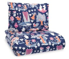 A new and beautiful duvet cover set for adults. High quality fabric from Finlayson, with a pattern that will bring a smile to your face.Size: Duvet cover 150 x 210 cm and pillow cover 55 x 65 cm. Duvet Sets, Duvet Cover Sets, Pillow Covers, Nordic Design, Scandinavian Design, Childrens Duvet Covers, Les Moomins, Moomin Shop, Tove Jansson