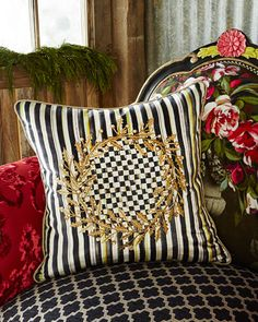 H7Y2V MacKenzie-Childs Golden Laurel Square Pillow