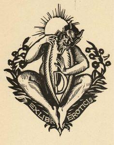 """""""Ex Libris Eroticis"""" (vers 1930) - Le diable représenté ici est inspiré des satyres, des créatures fantastiques issues de la mythologie grecque. Associés aux Ménades, ils formaient le """"cortège dionysiaque"""" et accompagnaient le dieu Dionysos; ils pouvaient aussi être associés au dieu Pan."""