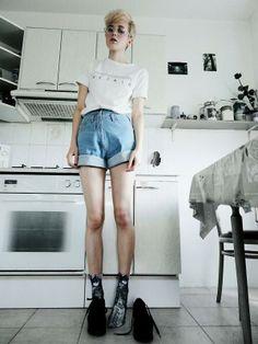 Shop this look on Kaleidoscope (shorts, shirt, glasses)  http://kalei.do/Wy5PFttpZObJ8Pij