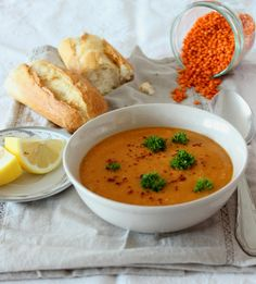 moja turecká kuchyňa: Kirmizi Mercimek Corbasi Thai Red Curry, Food And Drink, Soup, Vegan, Cooking, Ethnic Recipes, Food Ideas, Blog, Kitchen