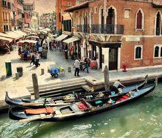 A market place in Venise 500px