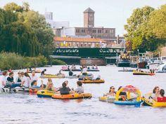 Actueel: juli 2015: Rubberboten Party op de Dieze in 's-Hertogenbosch