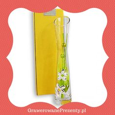 Pomysłowym podarunkiem na Dzień Nauczyciela może okazać się wazon na kwiaty. Piękny, ozdobny, ręcznie wykonany z tłoczonego włoskiego szkła, udekorowany motywami kwiatowymi. Solidnie wykonany z dwuwarstwowej blachy aluminium i srebra.