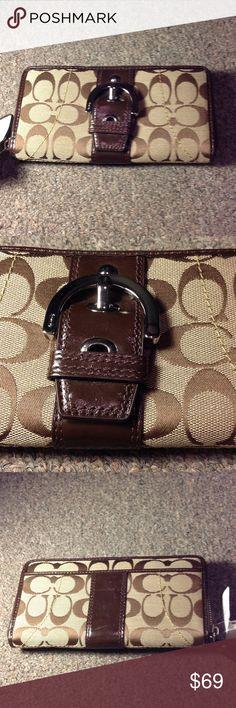 d7860c705 Dooney   Bourke Zip Around Wallet