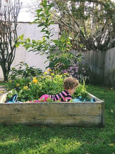 Make A Flower Bed - Bed - How to have fun in the garden with kids!