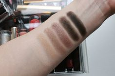 Dior Eye Reviver Palette - swatches