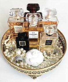 Small things seem nothing, but they give peace, enjoy those meadow flowers which singly seem odorless but all together perfume the air. Perfume Storage, Perfume Organization, Perfume Display, Perfume Tray, Perfume Scents, Perfume Bottles, Organization Ideas, Coco Chanel Parfum, Perfume Chanel