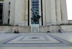 This is a photo in front of one of the Palais de Chaillot wings, showing a statue of Hercules with a Bull which was sculpted by Albert Pommier for 1937 World Fair.  More photos to be seen at www.eutouring.com