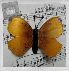 Papillon or, pailleté et noir. Recyclage par la Gorgone. : Autres bijoux par la-gorgone