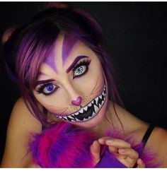Sugar Skull Halloween, Cheshire Cat Halloween, Cat Halloween Makeup, Cheshire Cat Costume, Amazing Halloween Costumes, Family Halloween Costumes, Halloween Kostüm, Cheshire Cat Makeup, Chesire Cat