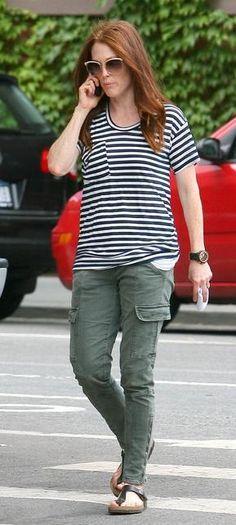 Who made Julianne Moore's brown flat sandals, green cargo pants and sunglasses? Pants – J Brand Houlihan Cargo  Sunglasses – Chloe  Shoes – Birkenstock