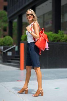 The Classy Cubicle: Casual Friday: Tasseled Urban Fashion Women, Curvy Women Fashion, Nyc Fashion, Fashion Ideas, Classic Style Women, Street Style Women, Classy Cubicle, Professional Women, Brogues
