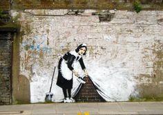 Banksy graffiti maid - fototapeta - Galeria FLASH - eplakaty.pl