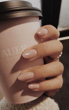 10 Popular Spring Nail Colors for 2020 - neutral nails Chic Nails, Classy Nails, Stylish Nails, Simple Nails, Simple Wedding Nails, Spring Nail Colors, Spring Nails, Summer Nails, Nagellack Design