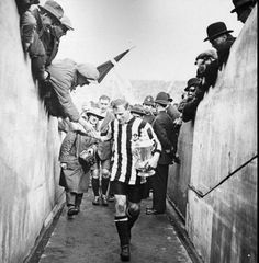 Frank Hudspeth of Newcastle United with the 1924 FA Cup