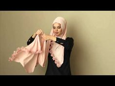 Modanisa.com - Pratik ve Şık Şal Bağlama Modeli - YouTube Turban Style, Hijab Tutorial, Abaya Fashion, Fashion 2020, Head Wraps, Baby Knitting, Shawl, Prada, Ballet Skirt