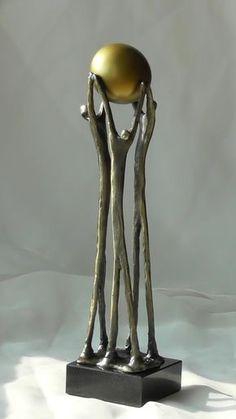 Heavy Ball Sculpture In Bronze With Black Metal Base in 2019 Sculptures Sur Fil, Art Sculpture, Abstract Sculpture, Metal Sculptures, Contemporary Sculpture, Contemporary Art, Wire Art, Ceramic Art, Metal Art