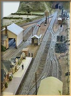 GWR Modelling provides links, notes, galleries and inspiration for modellers of the Great Western Railway in Britain N Scale Model Trains, Model Train Layouts, Lionel Trains Layout, Ho Scale Train Layout, Model Railway Track Plans, Ho Trains, Train Tracks, Railroad Tracks, Planer
