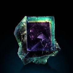 Hematite Crystals Minerals, Rocks And Minerals, Crystals And Gemstones, Stones And Crystals, Natural Line, Quartz Geode, Crystal Magic, Mineral Stone, Rocks And Gems
