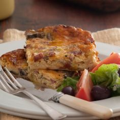 Korslose souttert: As jou tyd min en jou huismense honger is, is hierdie resep net die ding! Tuna Recipes, Quiche Recipes, Cooking Recipes, Healthy Recipes, Recipies, Pie Recipes, Healthy Food, South African Dishes, South African Recipes