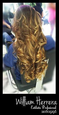 ¡Luce siempre linda! Un lindo look de balayage es una opción elegante que le da a tu cabello un aspecto súper cool.  Si te gusta esta opción, recuerda que debes asesorarte bien para que no te vayan a manchar tu cabello. Asesórate conmigo 3108019196 ¡William Herrera! #CaliCo #MakeUp #Belleza #Look #Colombia #MAC #Estilo #Style #Balayage #Ondas #Color