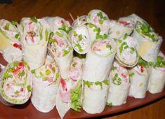Tento šalát podávame ku hlavnému jedlu ako prílohu alebo ako hlavné jedlo, ktoré…