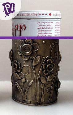 Waste Bottle Craft, Plastic Bottle Art, Diy Bottle, Bottle Crafts, Aluminum Can Crafts, Tin Can Crafts, Jar Crafts, Recycled Tin Cans, Recycled Crafts