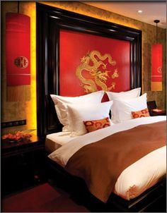 Asian Home Decor Examples Eye Catching tips to form a jaw dropping asian home decor bedroom japanese style Asian home decor suggestions imagined on this imaginative day 20190221 Asian Bedroom Decor, Bedroom Red, Asian Home Decor, Bedroom Themes, Home Decor Bedroom, Japanese Inspired Bedroom, Japanese Bedroom, Oriental Bedroom, Oriental Decor
