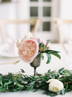 Blush garden roses: http://www.stylemepretty.com/2016/04/12/the-prettiest-pink-brunch-wedding/ | Photography: Gianny Campos - http://www.giannycampos.com/
