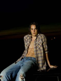 Sober In The Cauldron: XY Chromosome Sundae:Taylor Kitsch. #hawaiirehab www.hawaiiislandrecovery.com