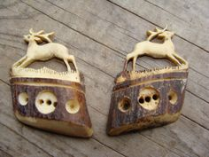 ButtonArtMuseum.com - A Pair of Beautiful Vintage Hand Carved Bone Deer Buttons