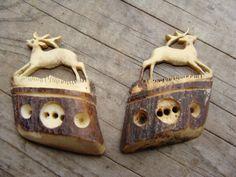 ButtonArtMuseum.com - A Pair of Beautiful Vintage Hand Carved Bone Deer Buttons