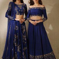 Monday blues in @asthanarangofficial ———————————————————————— #desibride #style #weddingday #style #dulhan #wedding #shaadi #indianbride #indianstreetstyle #indianwedding #sabyasachibride #lengha #suit #desiwedding #indianculture #heritage #dupatta #desisuit #mehndi