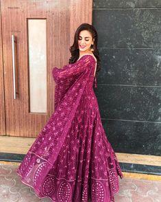 35 Ideas for embroidery designs indian fashion anarkali Kurti Designs Party Wear, Lehenga Designs, Salwar Designs, Dress Designs, Indian Gowns Dresses, Pakistani Dresses, Indian Anarkali, Punjabi Dress, Punjabi Suits