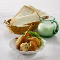 ROTI GORENG PENTUL http://www.sajiansedap.com/recipe/detail/5426/roti-goreng-pentul