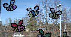 Materiaalit: Kartonkia Silkkipaperia Spring Crafts For Kids, Art For Kids, Diy And Crafts, Arts And Crafts, Art Classroom, Coloring Pages For Kids, Cool Kids, Kids Fun, Art School