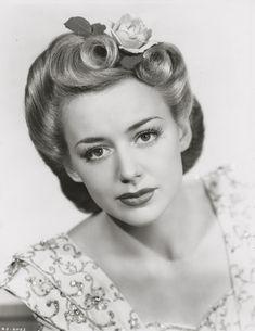 American Duchess: 1940s Hair Styling Inspiration