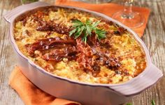 Krämig bacongratäng recept Pork Recipes, Vegetarian Recipes, Snack Recipes, Cooking Recipes, Chicken Sausage, Everyday Food, Vegetable Dishes, Macaroni And Cheese, Betta