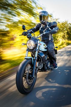 Ducati Scrambler Sixty2 Ducati Scrambler Sixty2, Moto Ducati, Super Sport, Entry Level, Vespa, Buses, Cars And Motorcycles, Motorbikes, Zen
