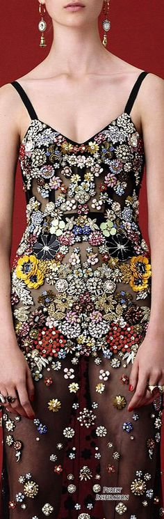 Alexander McQueen Resort 2016 Women's Fashion RTW | Purely Inspiration