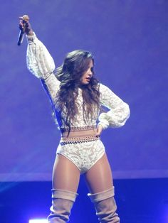 September 16: Demi Lovato performing at the Talking Sticks Resort Arena in Phoenix, AZ [HQs]