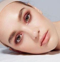 YSL beauty - Warm makeup looks with peachy lips & pink eyeshadow. Makeup Inspo, Makeup Inspiration, Makeup Ideas, Makeup Ysl, Punk Makeup, Dress Makeup, Makeup Geek, Makeup Eyeshadow, Fashion Inspiration