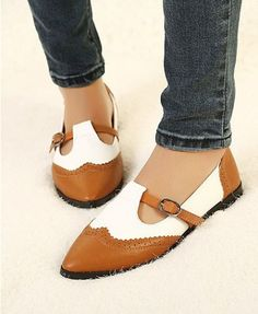 Retro PU Leather Flat Shoes in Two-tone