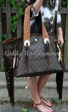Leather and Vodka Geronimo Bag with Tooled Flower Straps Louis Vuitton Handbags, Louis Vuitton Speedy Bag, Louis Vuitton Monogram, Louis Bag, Giddy Up Glamour, Lula Roe Outfits, Cowgirl Style, Dress For Success, Cute Bags