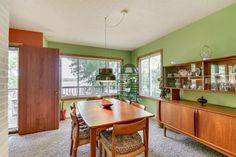 Midcentury lakefront fixer-upper wants just under $500K - Curbed