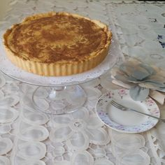 Traditional South African milk tart has a short crust pastry base and a creamy filling sweetened with condensed milk, scented with vanilla and cinnamon. Custard Recipes, Tart Recipes, Dessert Recipes, Curry Recipes, South African Desserts, South African Recipes, Oven Chicken Recipes, Dutch Oven Recipes, Milktart Recipe