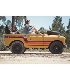 Painstakingly restoring each Land Rover to create the perfect build full of character and personality Land Rover Series 3, Land Rover Defender 110, Defender 90, Landrover Defender, Beach Cars, Beach Fun, Pontiac Firebird, Cute Cars, Land Rovers