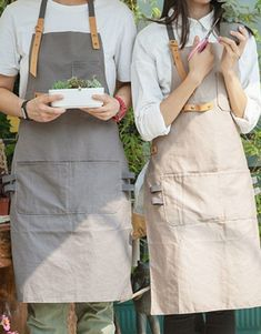 Full Length Gray/Khaki Cotton Linen Bib Apron with Pockets. Suitable for Uniforms of Barber,Barista,Bartender,Stylist,Waiter/Waitress,Florist,Painter,Gardener, Baker or Work ware of Tattoo shop,Craft workshop etc.